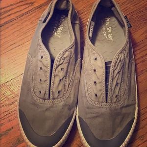 Sperry casual slip one.